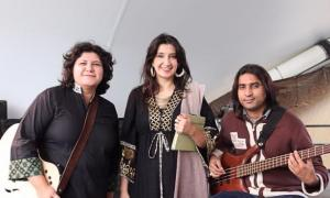 "Pakistani artists ""Zeb & Haniya"" performing in Akron, Ohio as part of their 2012 Center Stage tour  Photo: YW Luk"